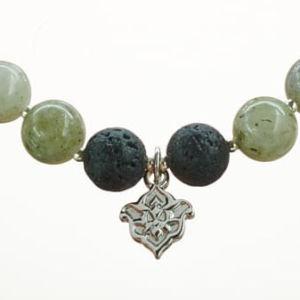 Mala Armband auf Elastikband mit Perlen aus 925 Sterlingssilber, Labradorit und Lava