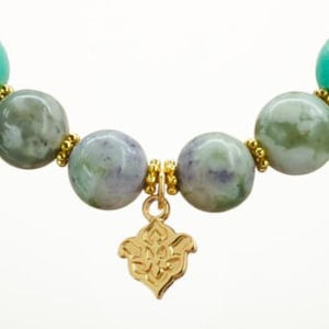 Mala Armband auf Elastikband mit Perlen aus vergoldetem 925 Sterlingssilber, Holz (türkis + gold-metallic) und Moosachat
