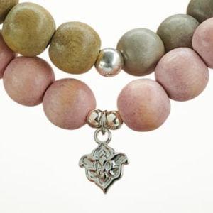 Mala Armband zweifach auf Elastikband mit Perlen aus 925 Sterlingsilber, verschiedenfarbigem Holz und Quaste